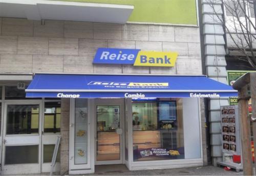 Markisen In Berlin Sonnenschutz F R Terrasse Und Balkon